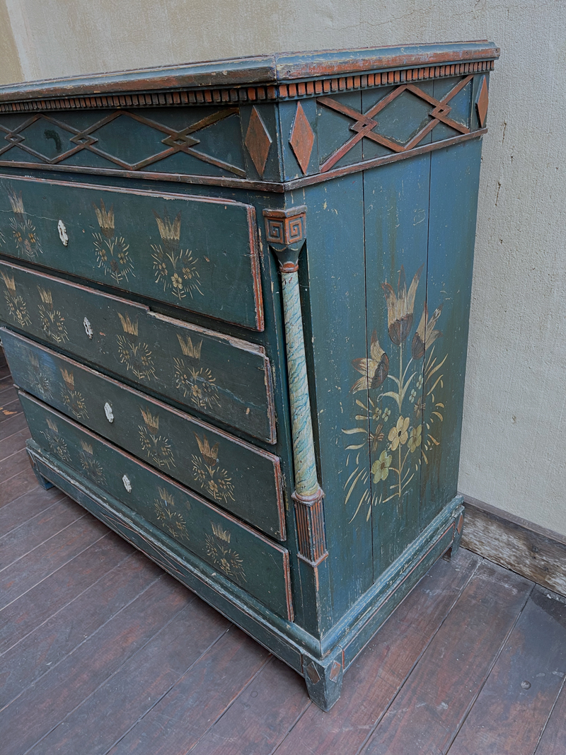 Swedish Chest of Drawers
